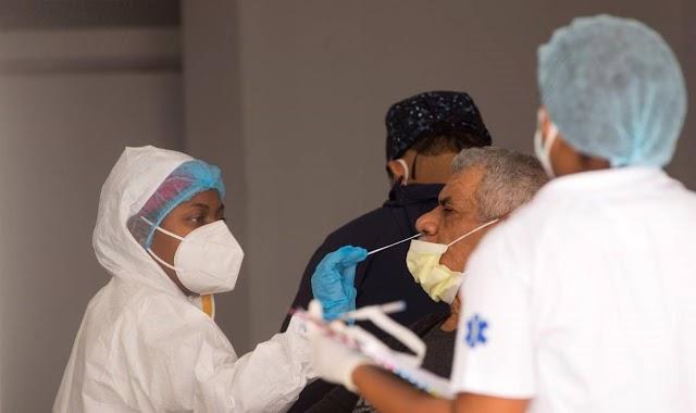 Siguen bajos casos diarios Covid; reportan 215 y una sola defunción