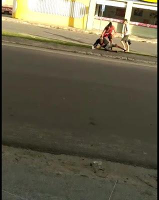 Vídeo mostra briga envolvendo três pessoas no bairro do Andaiá em S. A. de Jesus