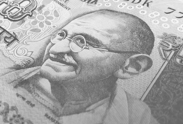 Narendra Modi PM मोदी बोले - सिर्फ गांधीगीरी, बाबूगीरी नहीं - 2 अक्टूबर