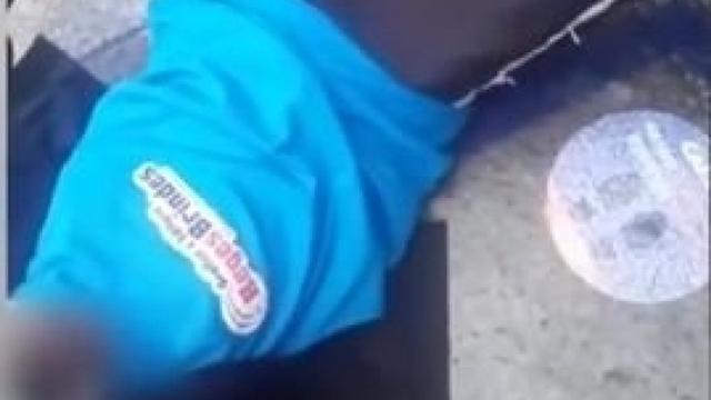 Vídeo: Idoso é empurrado por vigilante e sofre queda em agência da Caixa