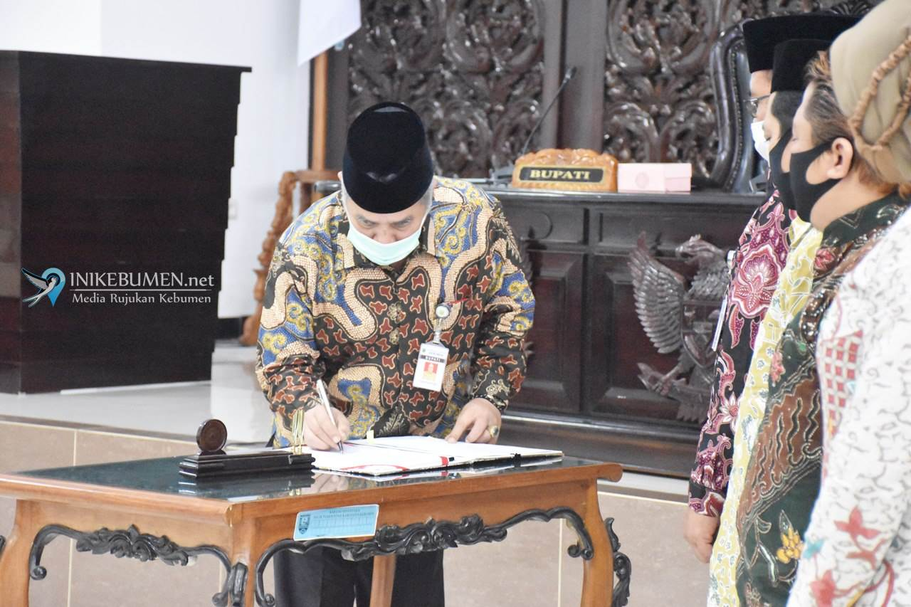 Bupati dan Pimpinan DPRD Kebumen Setujui Perubahan KUA dan PPAS Tahun 2020