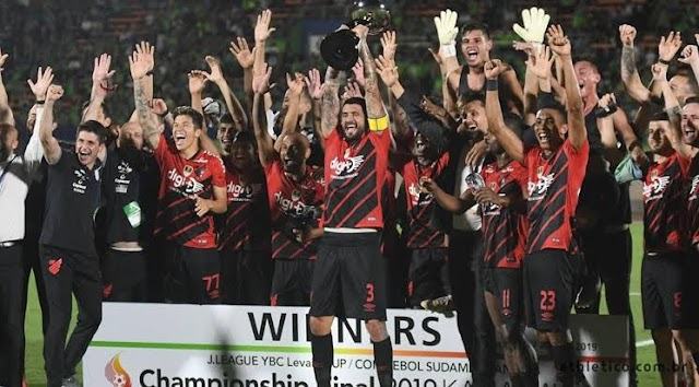 Athlético goleia e ganha mais um titulo internacional: Enquanto Coritiba e Paraná sonham em ganhar algo fora do Brasil
