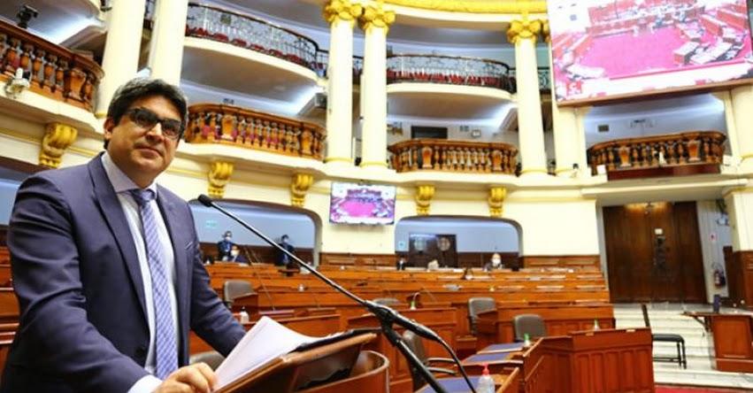 MINISTRO BENAVIDES: «La reforma es un logro de toda la comunidad universitaria»