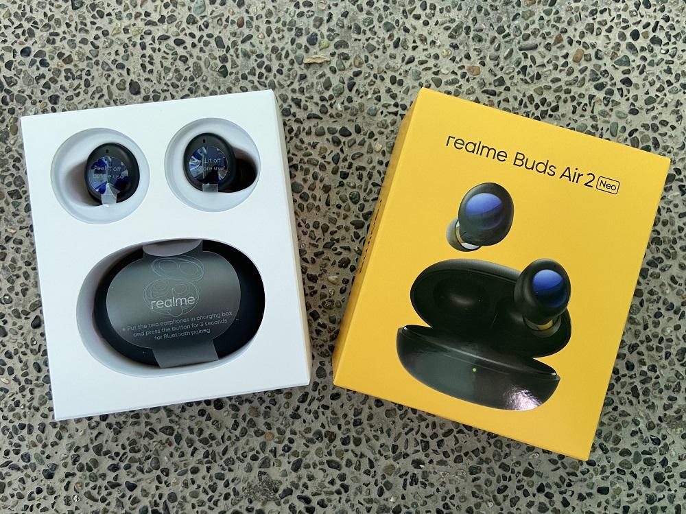 realme Buds Air 2 Neo - Inside the Box