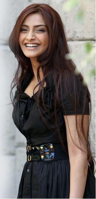 celebrity Gossip: Sonam Kapoor Dresses In Aisha