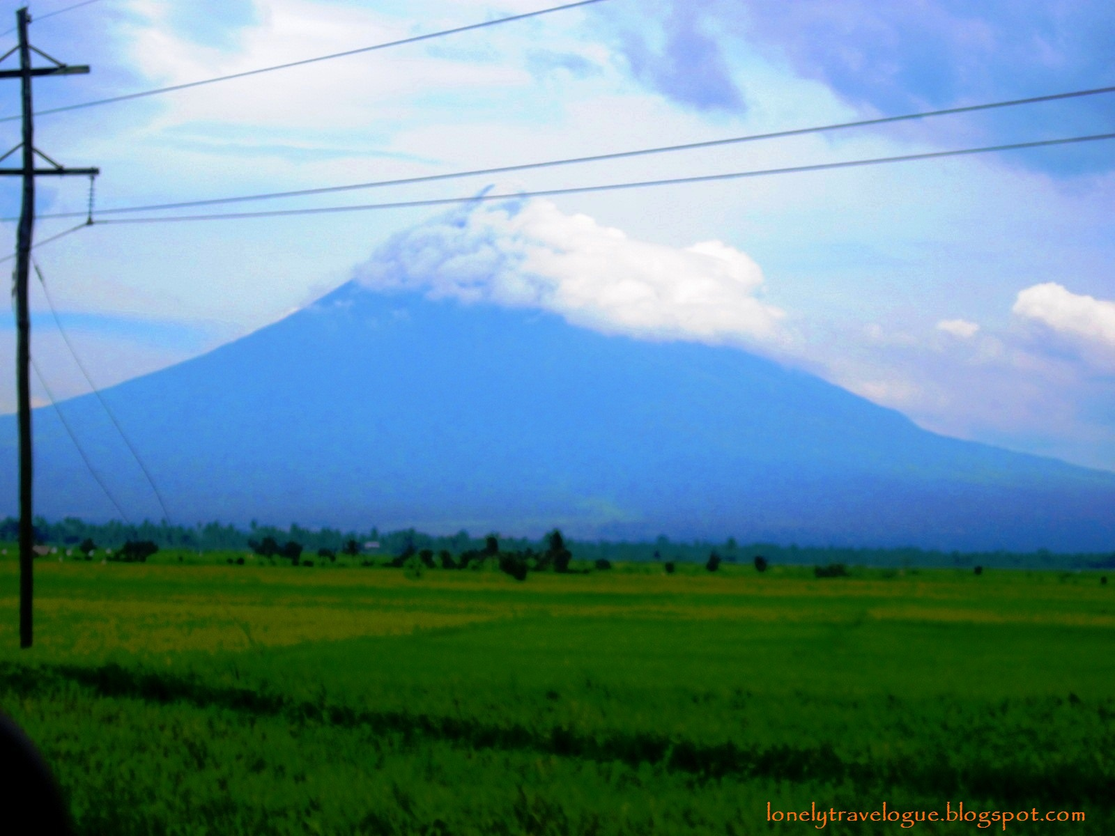 Lonely Travelogue: Overview: Bicol Region