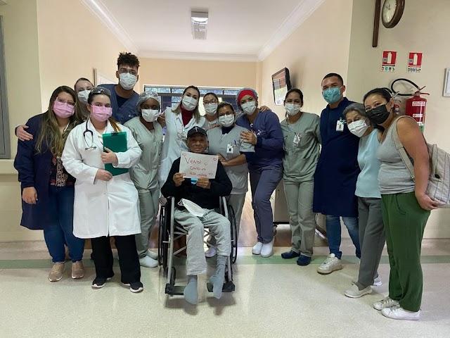 Jornaleiro tem Covid, fica 100 dias intubado, sobrevive e agora deve R$ 2,6 milhões a hospital particular de SP