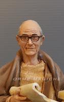 ritratto nonno con occhiali da mettere nel presepe statuine presepio fatte a mano personalizzate orme magiche