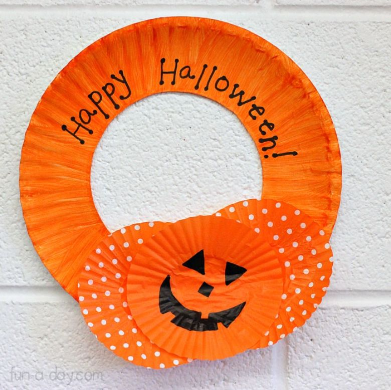 Cupcake liner Halloween wreath craft