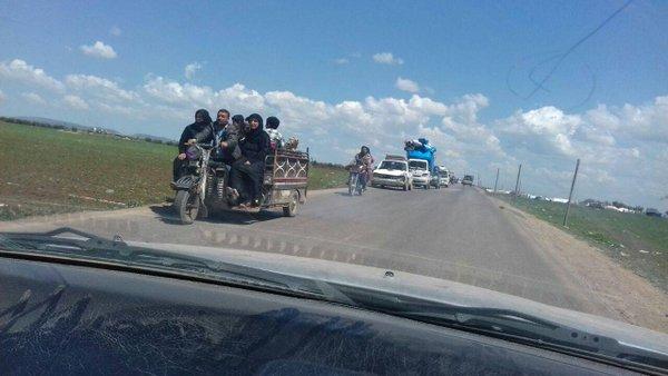 mengungsi ke perbatasan turki