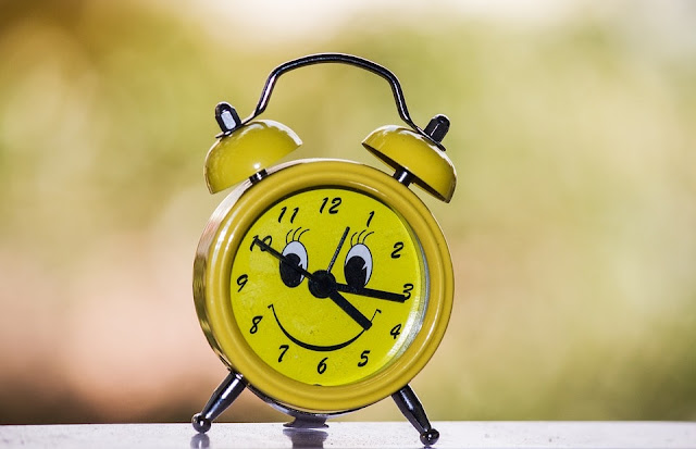 how to wake up early in the morning best tips