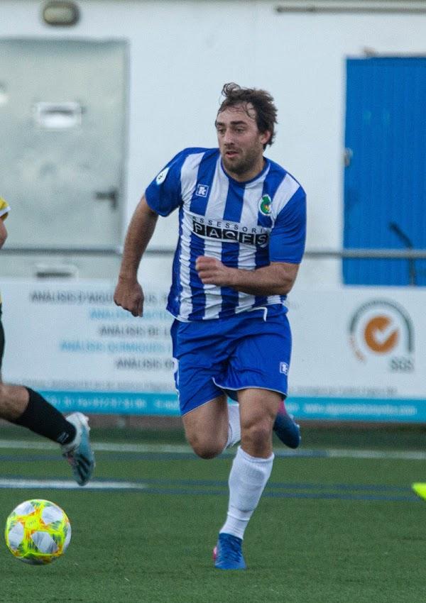 Oficial: CF Peralada, firma Adrià Casanova