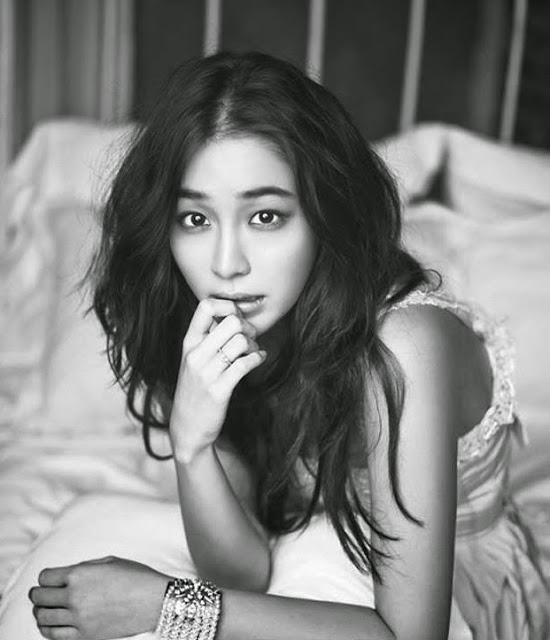 Foto hot artis korea Lee Min Jung