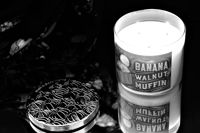 bath and body works banana walnut muffin avis, bougie banana walnut muffin, banana walnut muffin bath & body works, banana walnut muffin candle review, bougie parfumée à la banane, bath & body works banana candle,  avis bougies bath and body works, bougie candle, bath and body works france, bougie bath & body works pas cher, bougie bath and body works, bougie parfumee