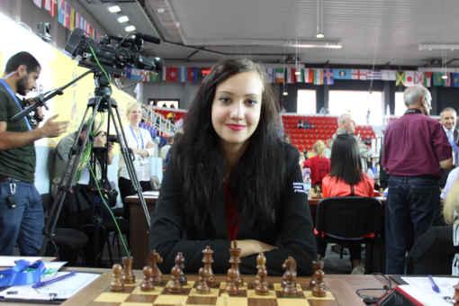 En 2018, Cécile Haussernot participait pour la France aux Olympiades d'échecs de Batoumi en Géorgie