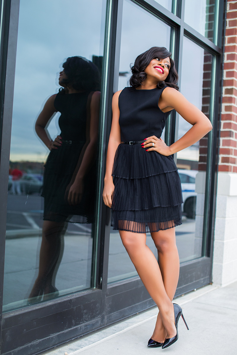 Little black dress for holiday events, www.jadore-fashion.com