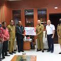 Pemprov Papua Barat Serahkan Bantuan untuk Korban Seroja di NTT