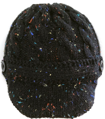 Black tweed cabled hat with brim and front strip
