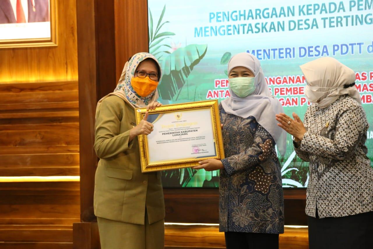 Lumajang Terima Penghargaan Dalam Mengentaskan Desa Tertinggal