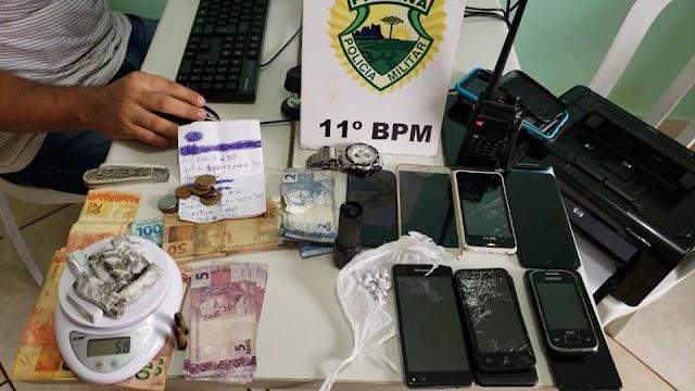 Suspeitos de assaltarem ônibus de turismo na região de Engenheiro Beltrão são presos pela Polícia Militar em Campo Mourão