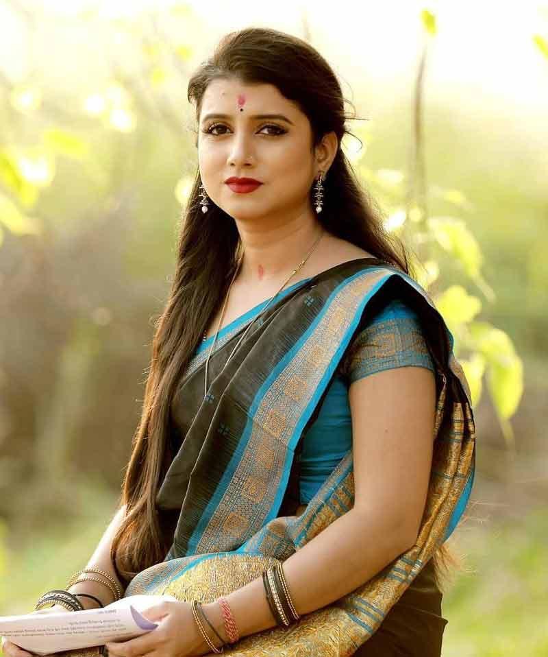 Odia Singer Diptirekha Padhi has tied the nuptial knot with Soumyaranjan