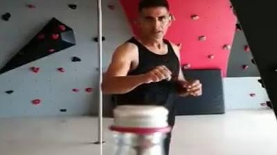 Akshay Kumar Bottle Cap Challenge