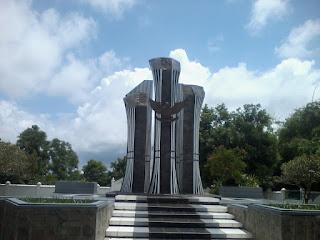 Tugu Benteng VOC Jepara Makam Taman Pahlawan
