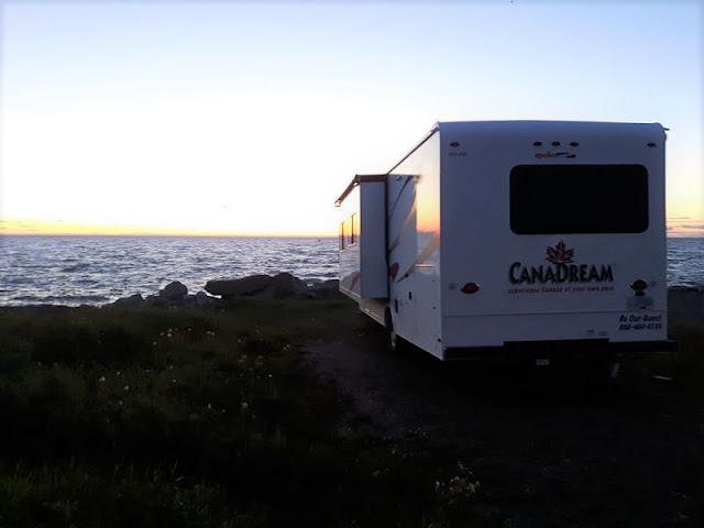 tramonto dal camper in canada