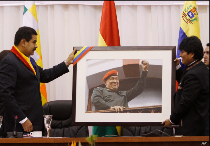 El expresidente de Bolivia, Evo Morales, ahora exiliado en Argentina, fue aliado y amigo del fallecido presidente de Venezuela, Hugo Chávez, y de su sucesor Nicolás Maduro / ARCHIVO AP