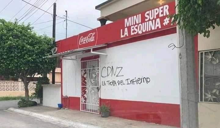 Por falta de Dinero para narcomantas Cuazitos del CDN pintan paredes de casas y negocios en Miguel Aleman Tamaulipas