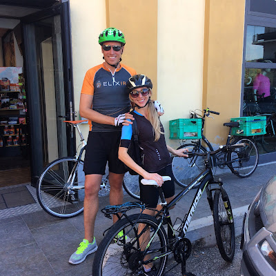 Cycling carbon road bike rental in Livorno Tuscany Italy