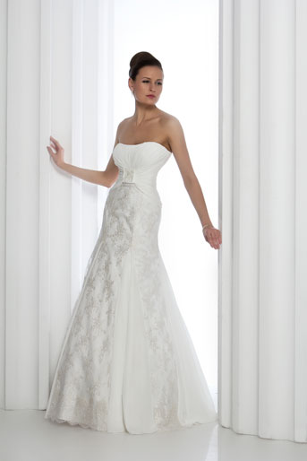 b4e35566eda2 Noleggio Vestiti Da Sposa Brescia ~ Vestiti da sposa noleggio genova su  abiti