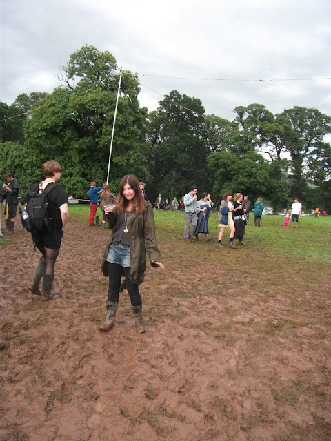 mud, festival, wellies, green man