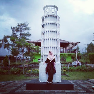 Jelajahi miniatur ikon dunia di World Landmark Merapi Park, Yogyakarta 2