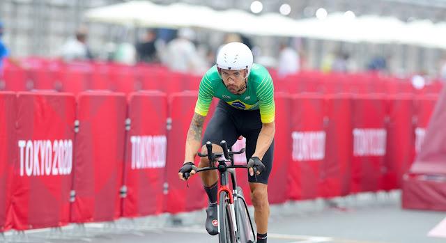 Lauro Chaman em ação na pista do Circuito Internacional de Fuji