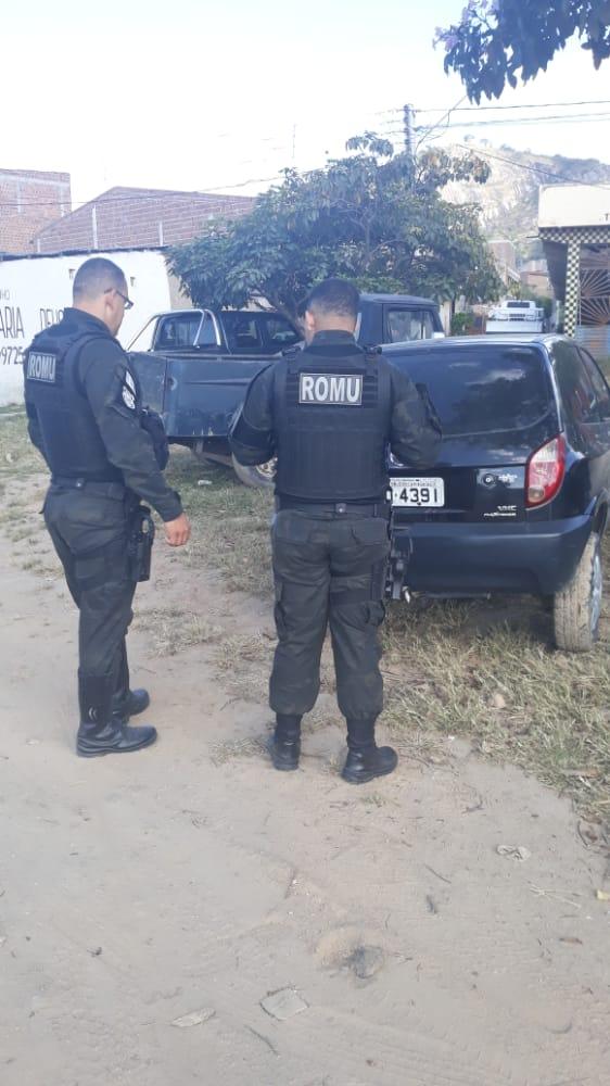 Carro roubado em Santa Cruz do Capibaribe é recuperado pela força tática ROMU em Brejo da Madre de Deus