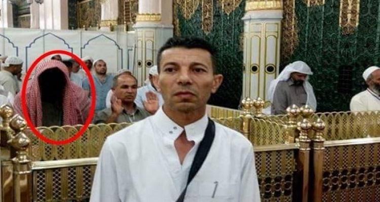 مصري يلتقط هذه الصورة في الحرم النبوي ويقسم بالله أنها حقيقية