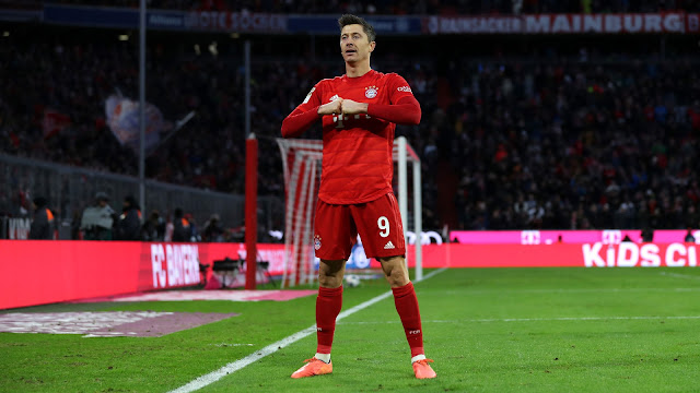 Manchester United needs a striker like Lewandowski - Rene Meulensteen