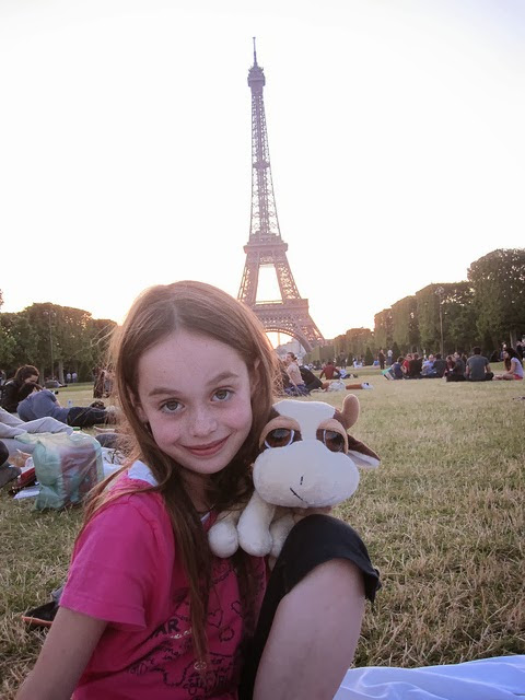 Picnics at the #Eiffel #Tower #Paris, #France