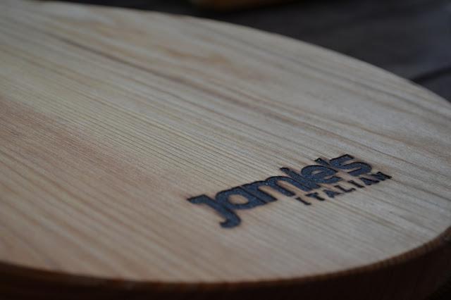 Jamie's Italian Aberdeen chopping board