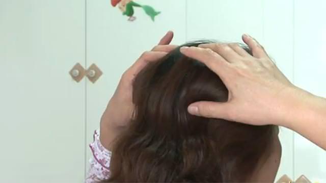 不必再擔心掉髮!頭上藏著一個「生髮穴」。每天只要5分鐘。效果立竿見影!