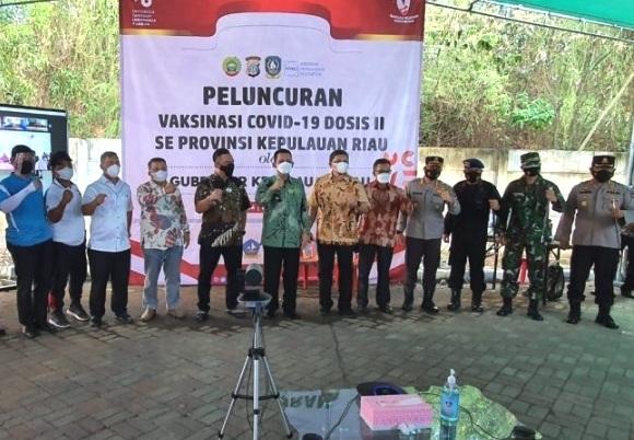 Gubernur Kepri Hadiri Peluncuran Vaksinasi Covid-19 Dosis II, Target 6000 Orang