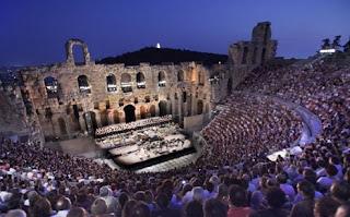 Le théâtre, la société et le temps.  N. Lygeros  Traduit du Grec par A.-M. Bras