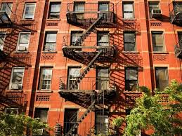 Fire Escape oleh Anna Connelly