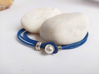 pulsera de cuero con perla