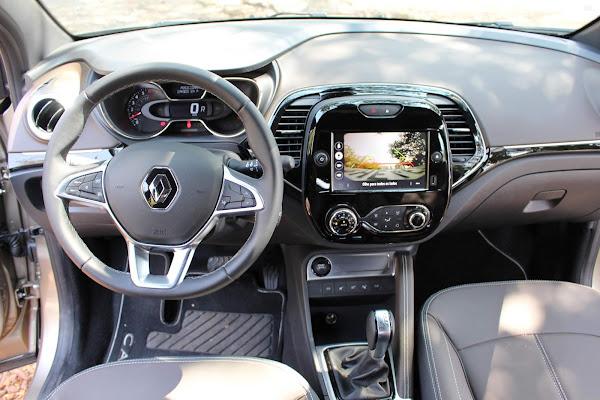 Novo Renault Captur 2022 1.3 Turbo CVT - interior - painel