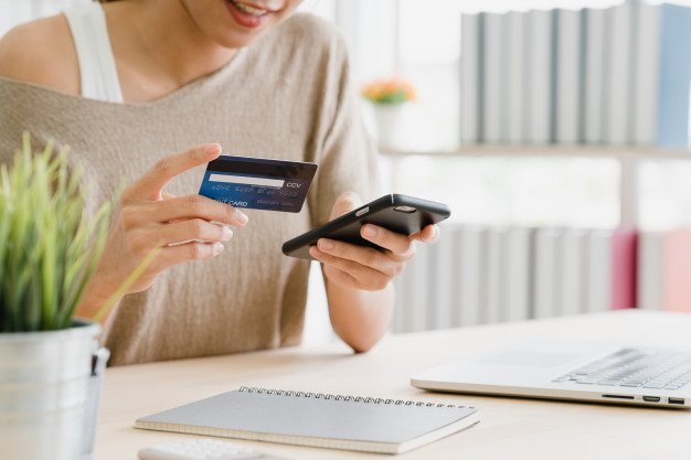 Agar Tidak Pusing Gunakan 5 Tips Bijak Memakai Kartu Kredit