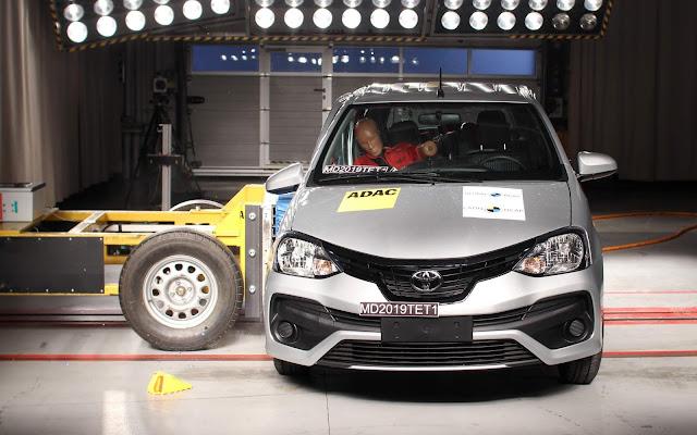 Toyota Etios mantém 4 estrelas