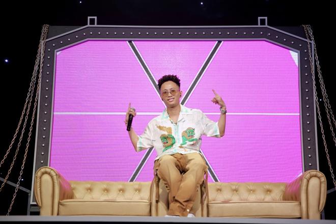 Vợ sexy của nam rapper được Trấn Thành mời đi diễn hài