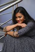 gayathri latest sizzling pics-thumbnail-17
